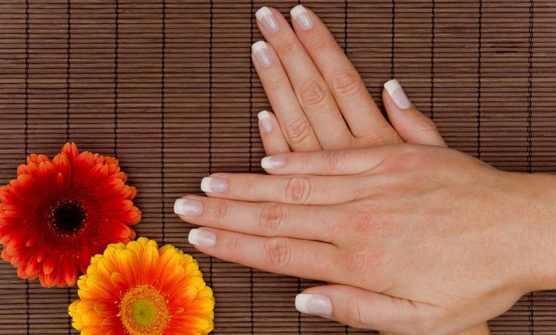prantsuse-maniküür-nail-art_zoom